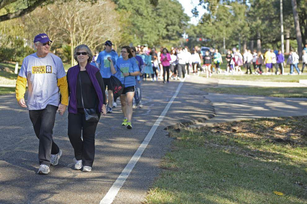 About 300 residents make strides against hunger during Sunday walk _lowres