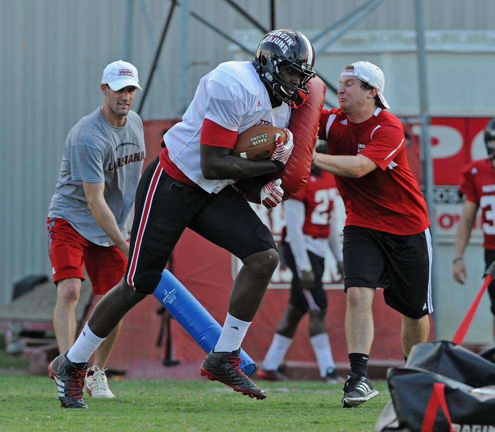 Ragin' Cajuns tight end Larry Pettis emerges as unlikely leader _lowres