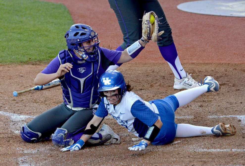 Kentucky softball team follows similar script to beat LSU again _lowres