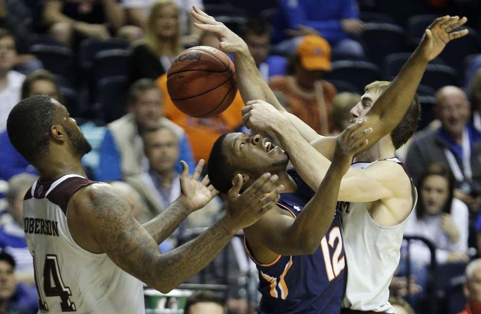 Auburn upsets Texas A&M _lowres