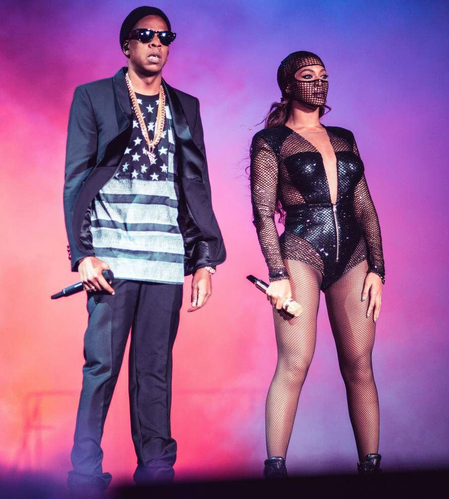 Beyoncé, Jay Z cue the drama in 'On the Run' show _lowres