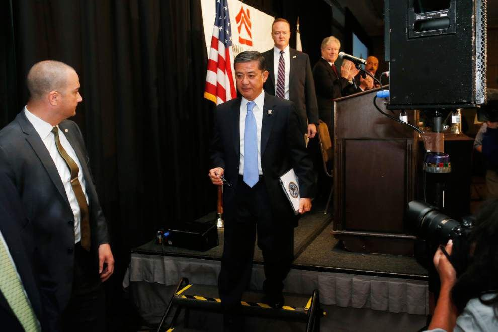 Shinseki resigns amid veterans' health care issues _lowres