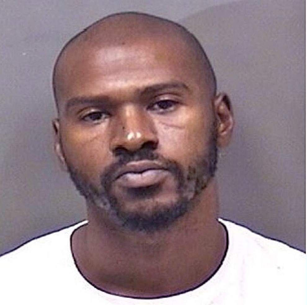 Ascension deputies find 'Toe' Nash, booked on flight, failure to register as sex offender _lowres