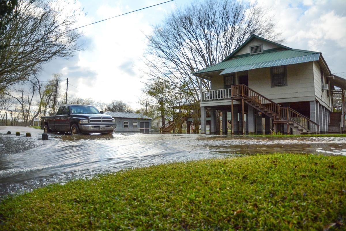 St._Francisville_Flooded_streets005
