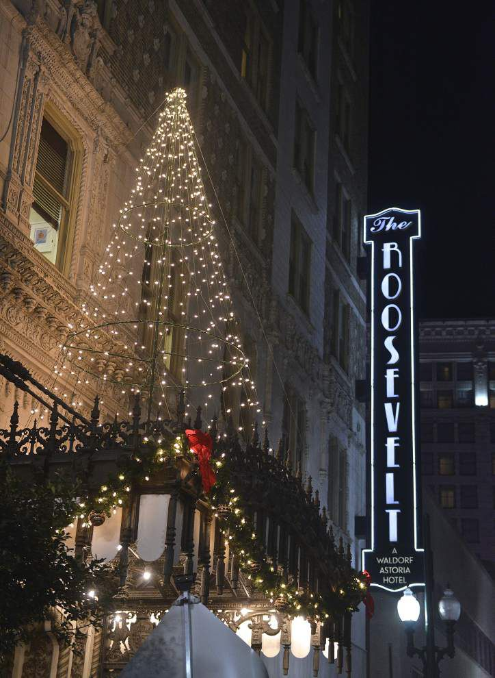 The Roosevelt Hotel's annual tree-lighting ceremony _lowres