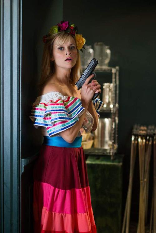 Review: Witherspoon and Vergara crash in 'Hot Pursuit' _lowres