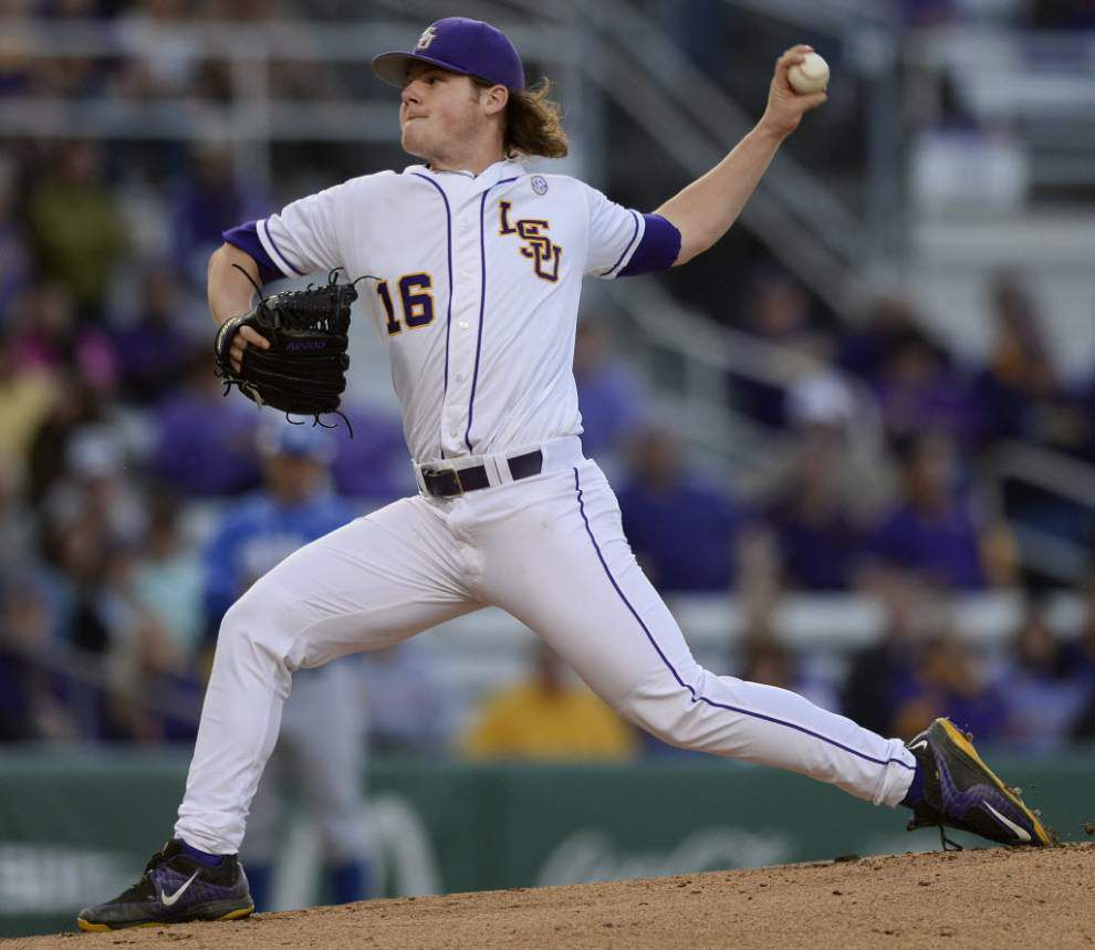 LSU reveals starting pitcher for College World Series opener vs. TCU _lowres