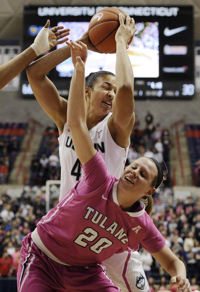 UConn routs Tulane women _lowres