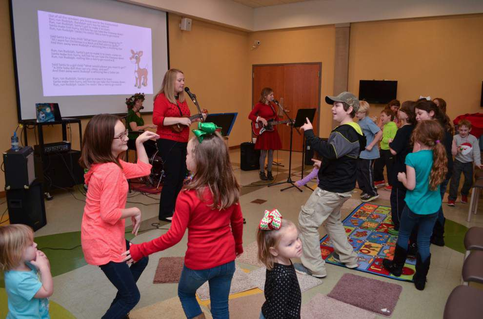 Library band gets into holiday swing _lowres