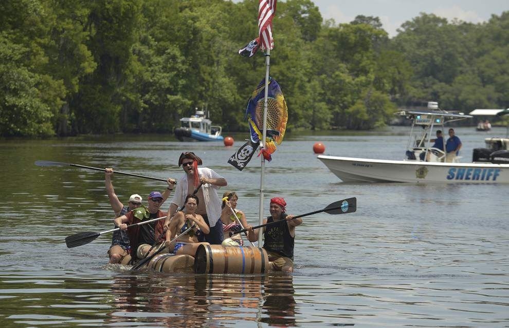 Redneck Regatta takes to the water _lowres