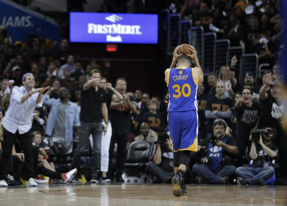 LeBron, Cavs down Warriors, force Game 7 _lowres