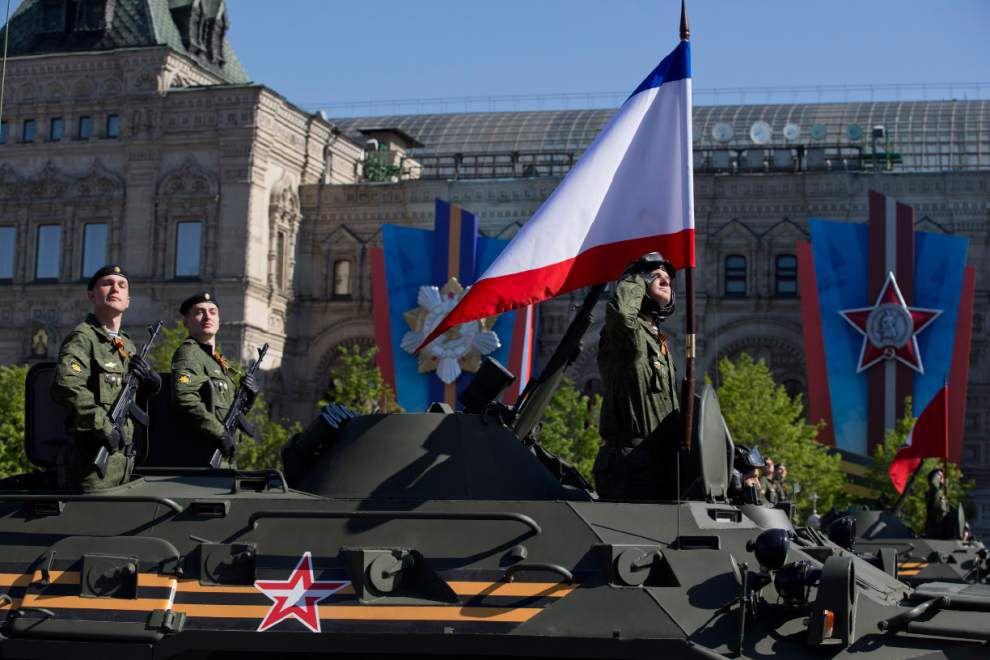 Putin arrives in Crimea _lowres