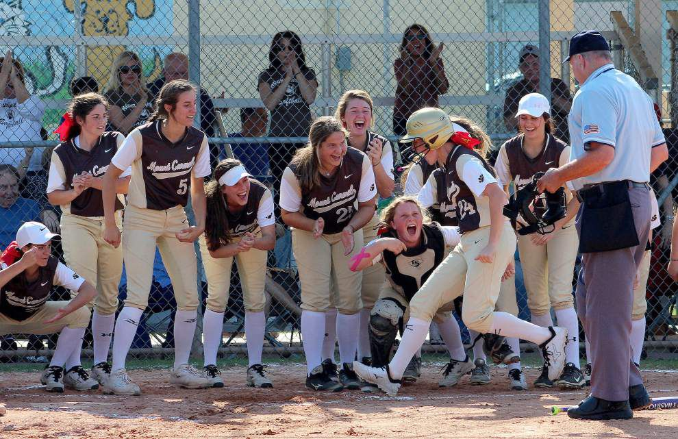 Mount Carmel wraps up District 9-5A softball title with 16-6 win over John Curtis _lowres