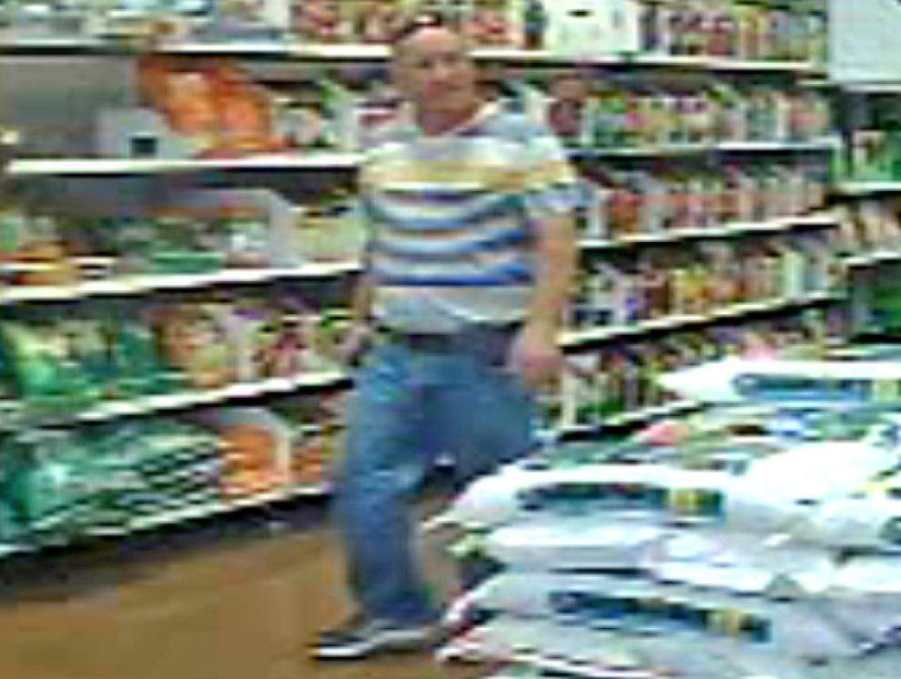 East Baton Rouge Sheriff's Office seeks man who took inappropriate photos of women at Walmart _lowres