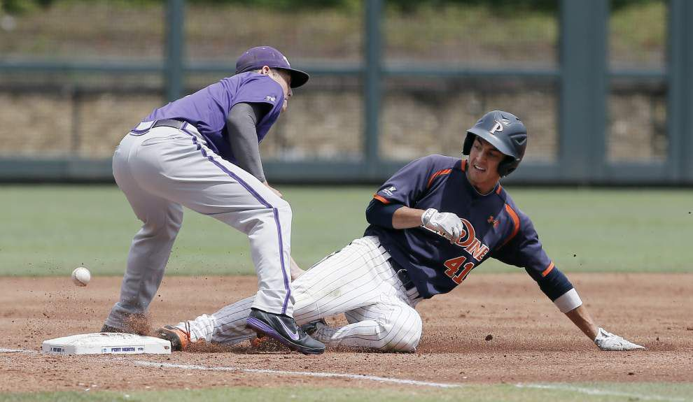 TCU, Virginia punch tickets to CWS _lowres