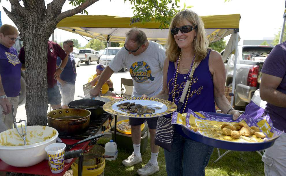 Photos: LSU baseball fans show off their tailgating chops in Omaha _lowres