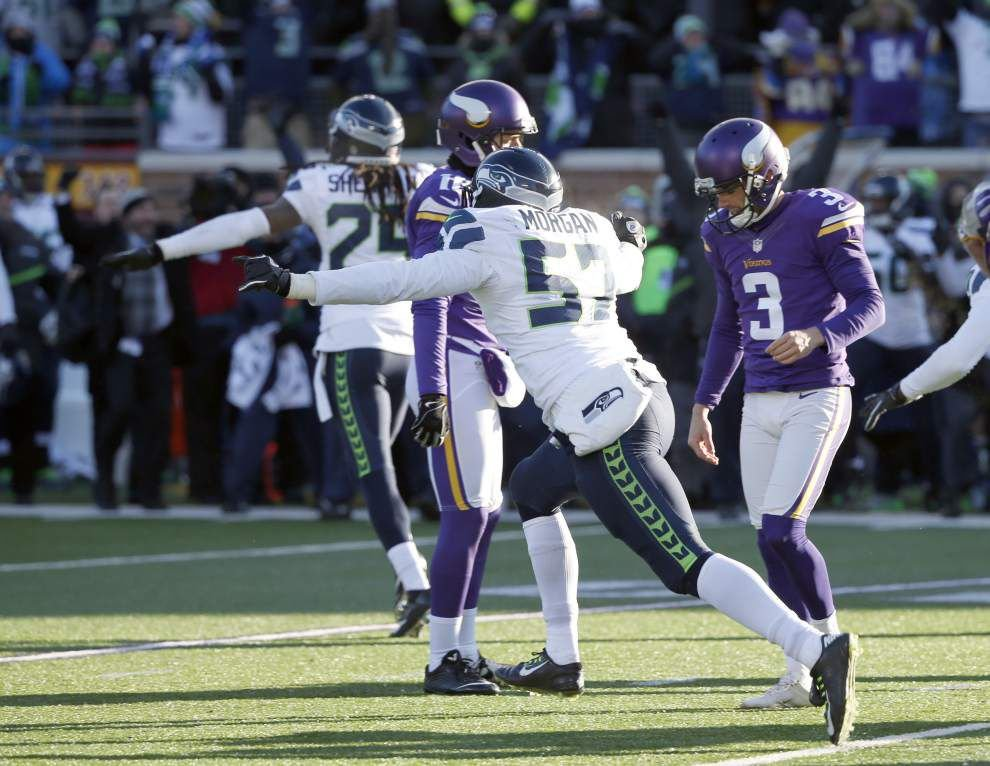 Vikings kicker Blair Walsh, who misses a 27-yard chip shot, goes from hero to fall guy in loss to Seahawks _lowres