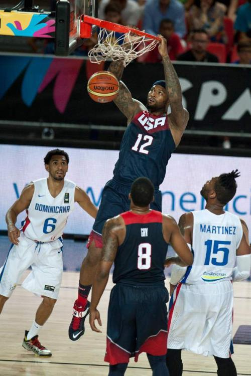 U.S. routs Dominicans 106-71 at World Cup _lowres