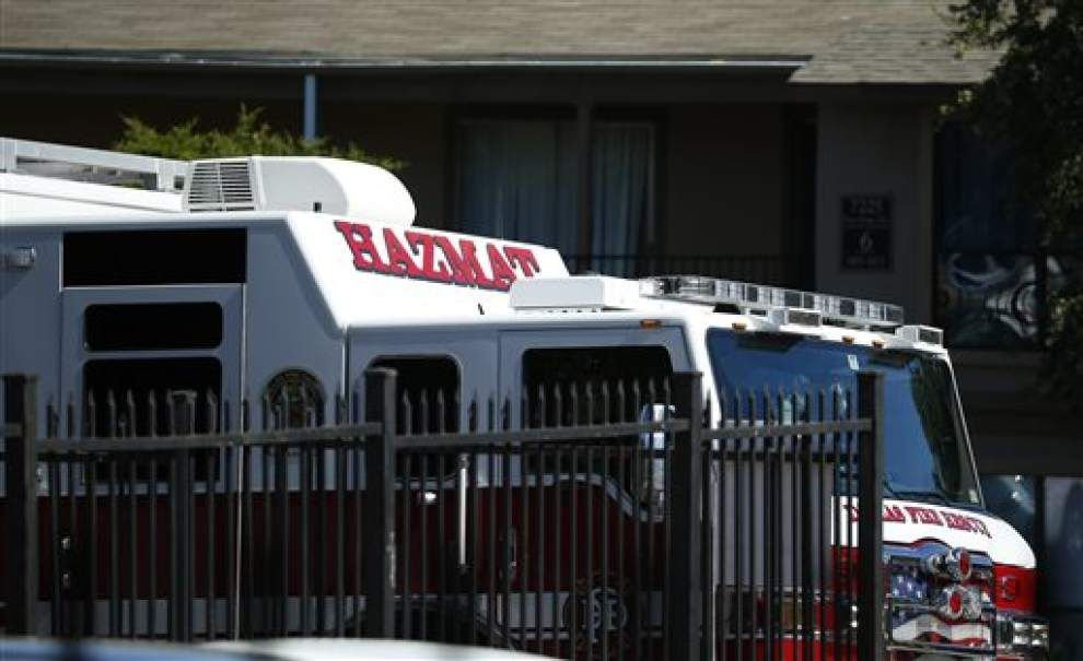 Texas deputy who accessed Ebola patient's apartment now being treated at hospital _lowres