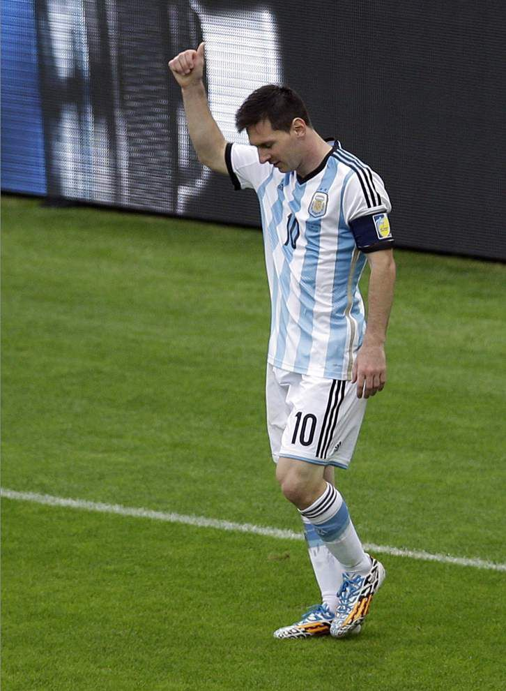 World Cup roundup: Lionel Messi scores twice as Argentina slips past Nigeria _lowres