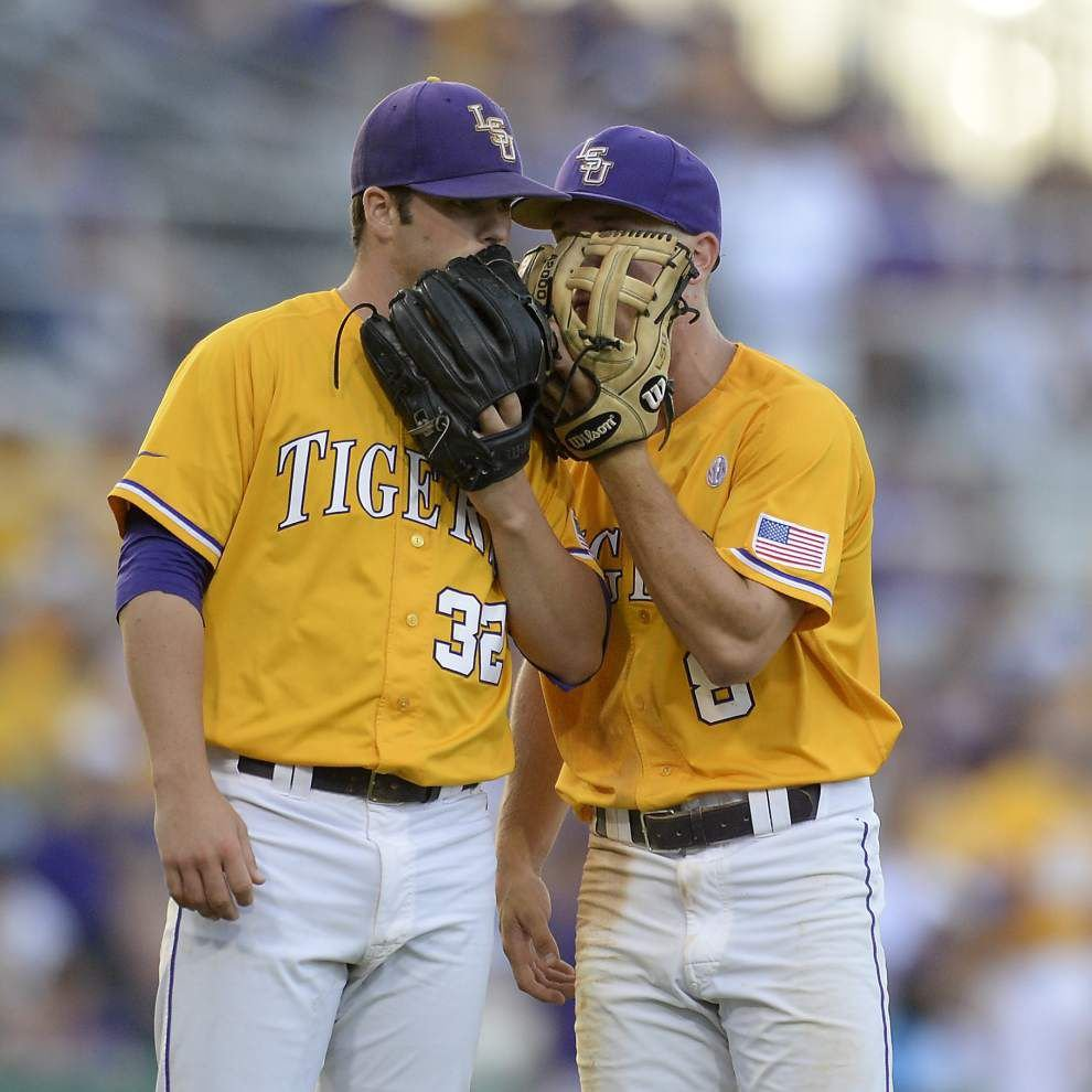 Houston routs LSU 12-2 to win Baton Rouge regional _lowres