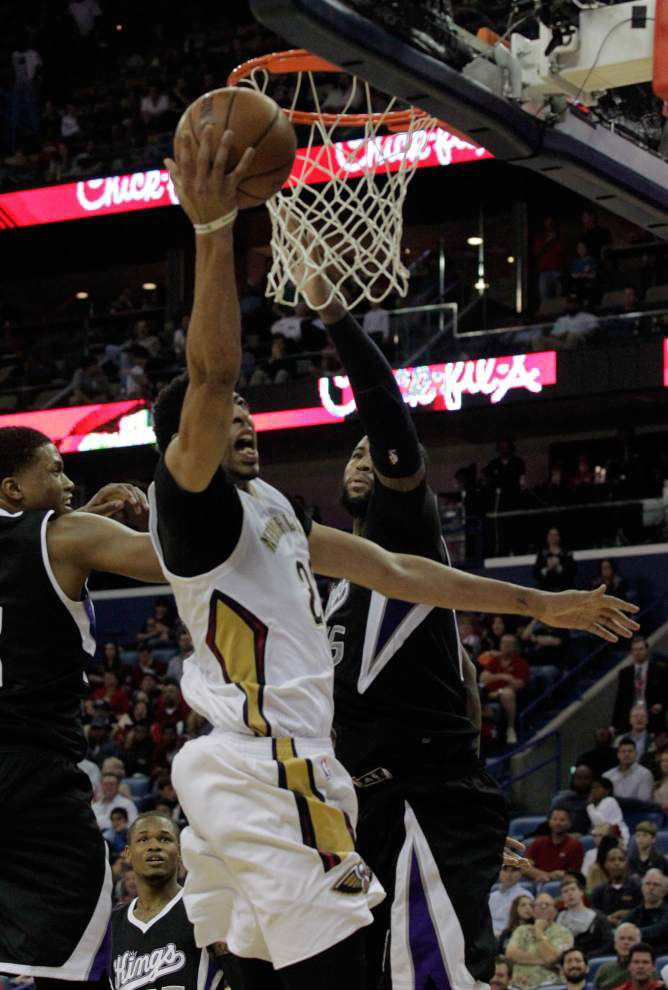 Backups Norris Cole and Toney Douglas help Pelicans end 4-game slide with 102-88 victory over Sacramento _lowres