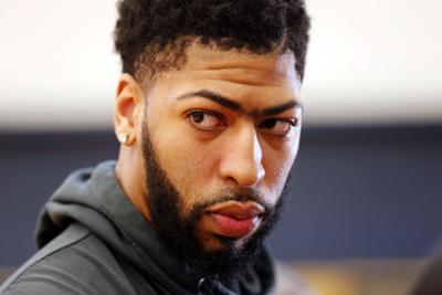Pelicans Davis Basketball