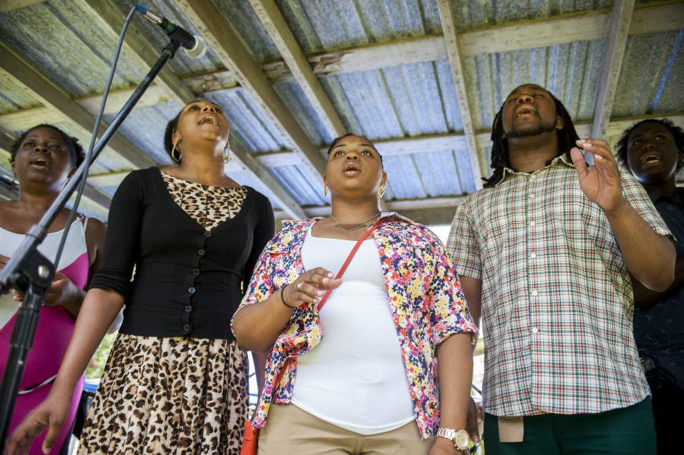 Annual Juneteenth Freedom Festival attracts crowd for music, food, celebration _lowres