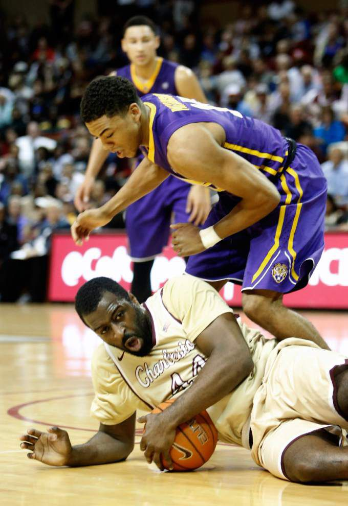 National media blast LSU basketball after loss to lowly Charleston: 'This is atrocious' _lowres