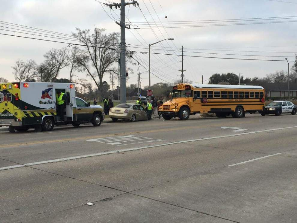 KATC-TV: Lafayette school bus involved in early morning crash _lowres