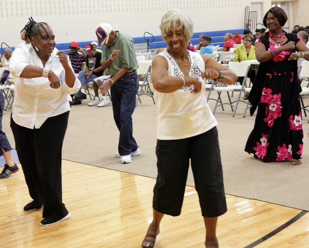 Seniors get into the groove _lowres