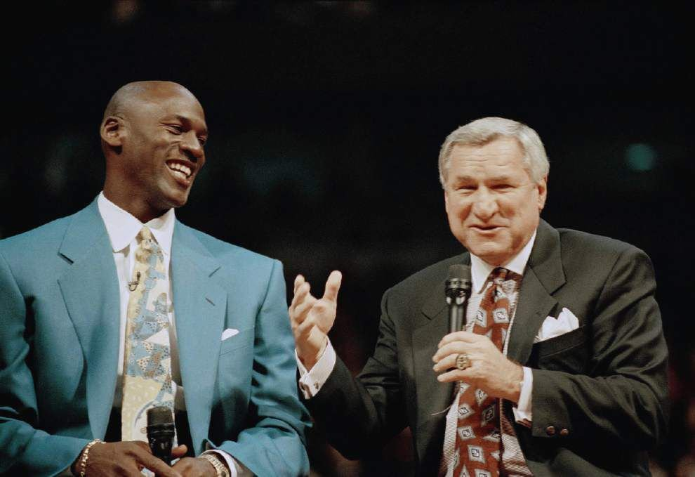 North Carolina coaching legend Dean Smith dies at age 83 _lowres