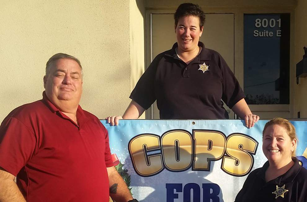 Kiwanis benefit Cop's for Christmas program _lowres