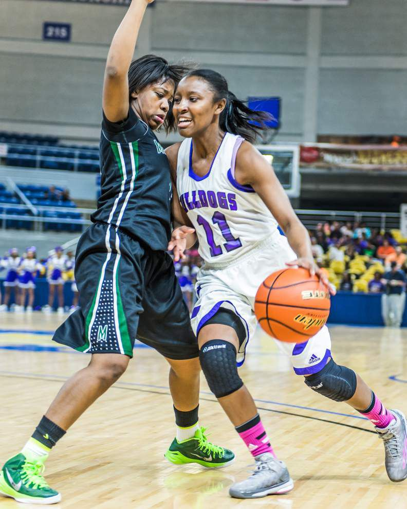 Roundup: Mansfield sets tone quickly in win over Ville Platte _lowres
