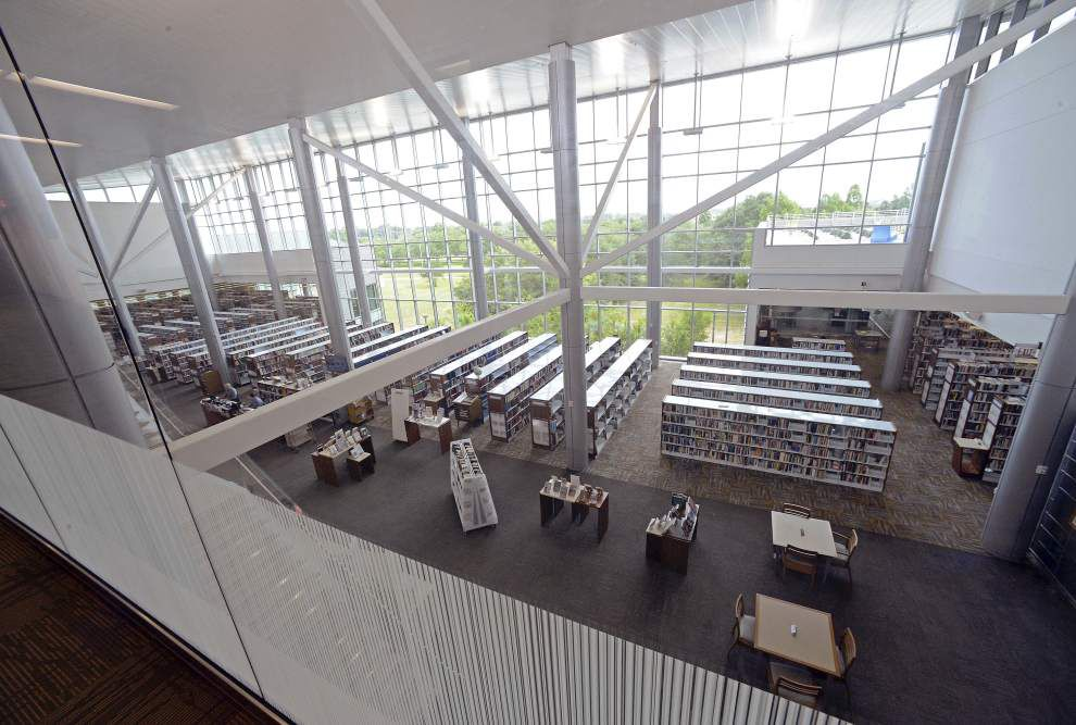 Photos: East Baton Rouge Parish Library provide tour of new facility to Metro Council members _lowres