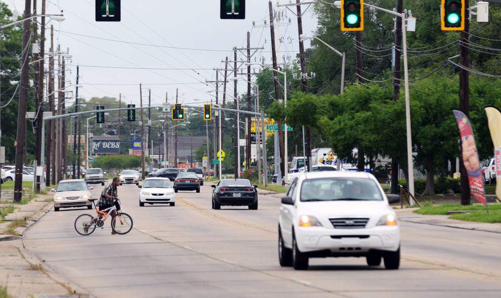 Lafayette residents voice opposition to state plans for Moss Street 'road diet,' reducing it from four lanes to two. _lowres