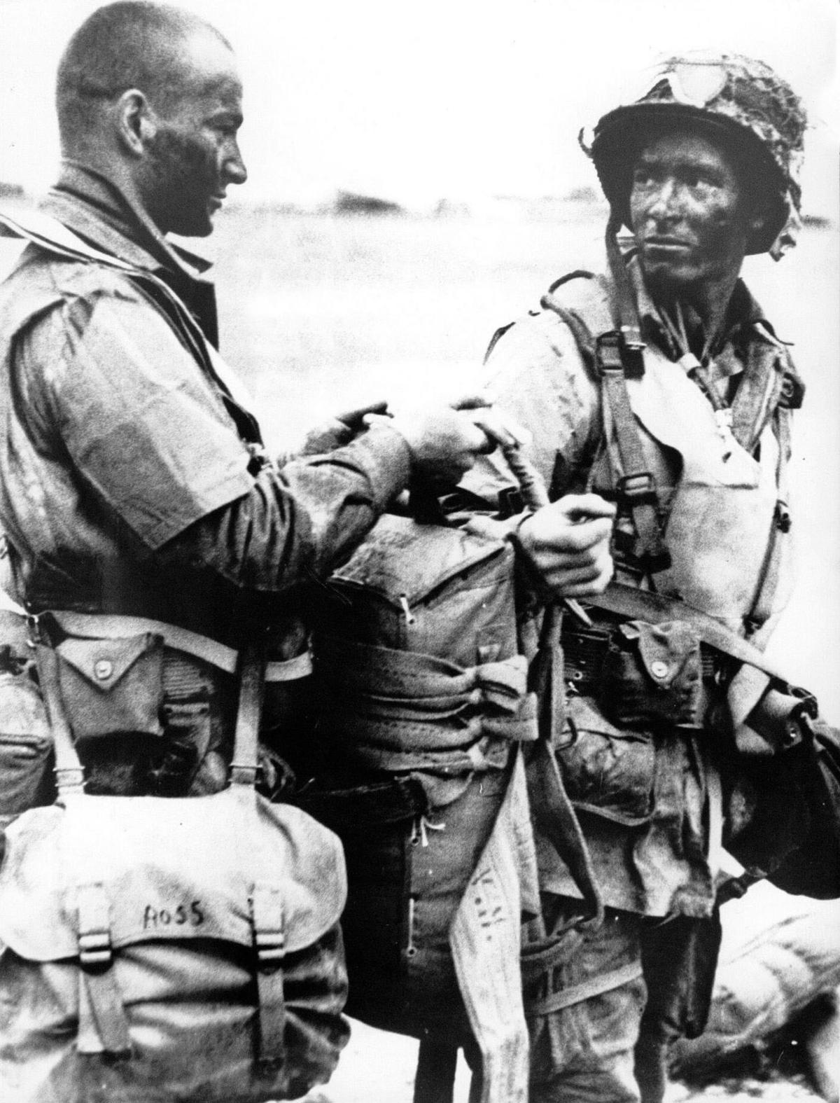 lpb-paratroopers1.JPG