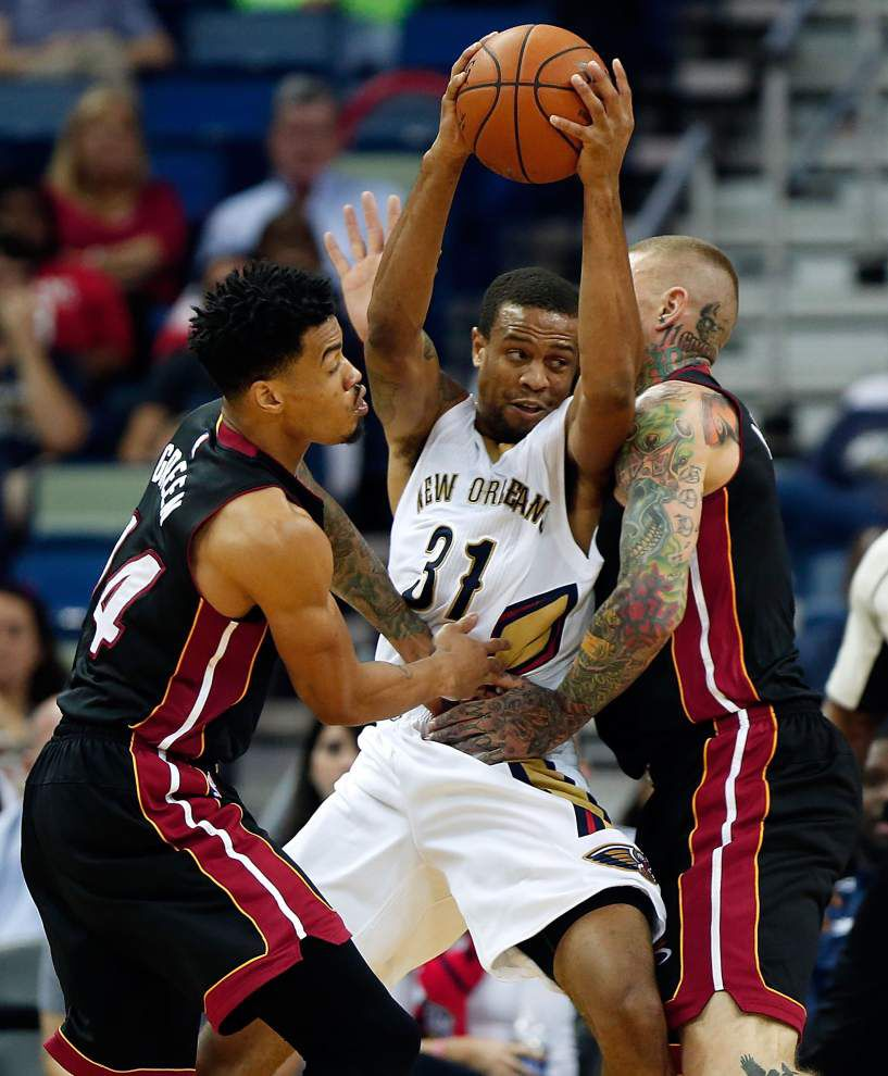 Notebook: Pelicans sign guard Bryce DeJean-Jones _lowres