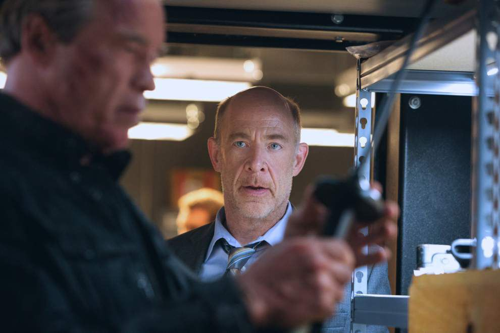 Review: Arnold (but little else) is back in 'Terminator' _lowres