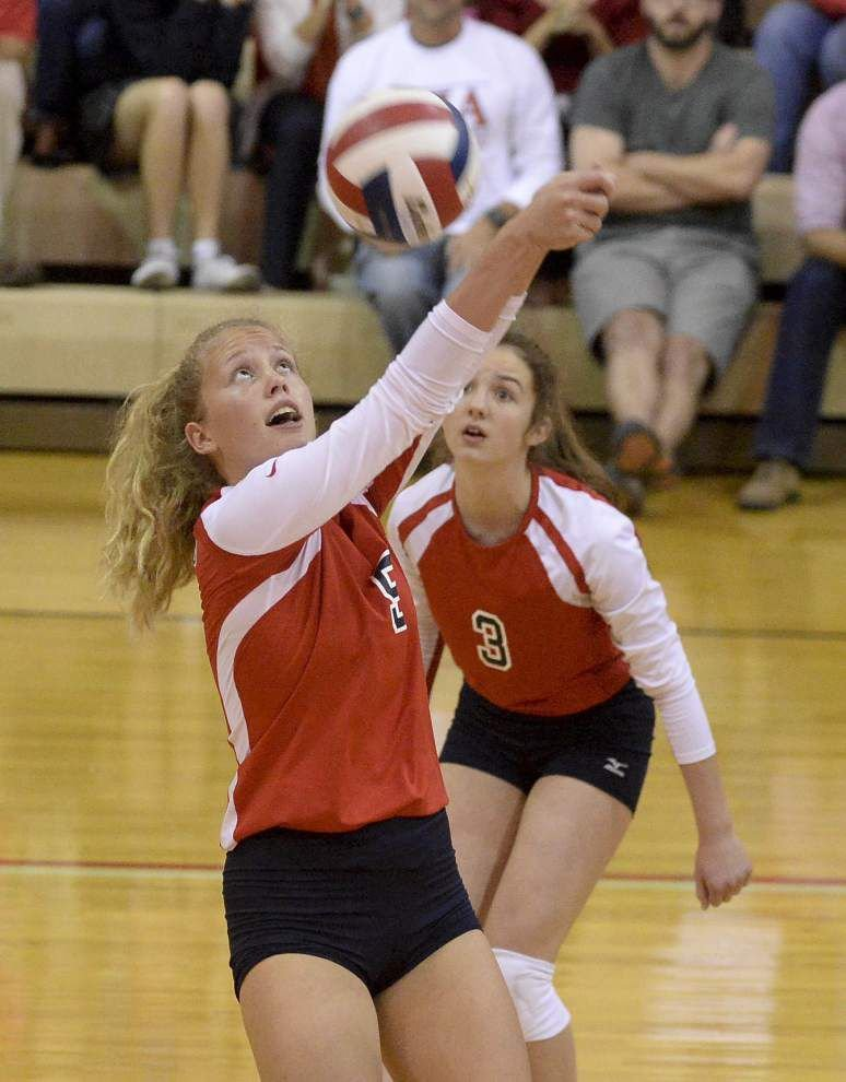 St. Joseph's volleyball team getting it done with defense _lowres