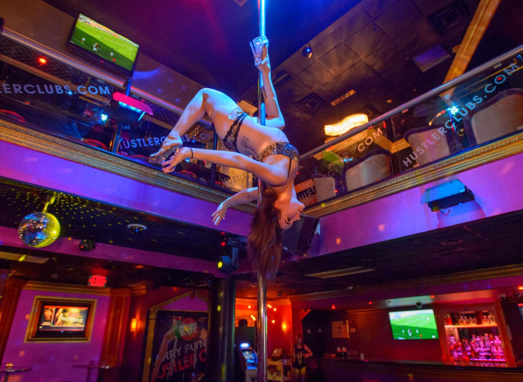 Strip clubs in oahu
