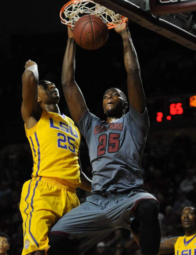 LSU basketball nonconference schedule includes Texas Tech, UMass _lowres