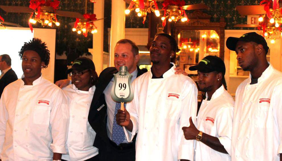 Christmas auction benefits Louisiana Lighthouse and Liberty's Kitchen _lowres