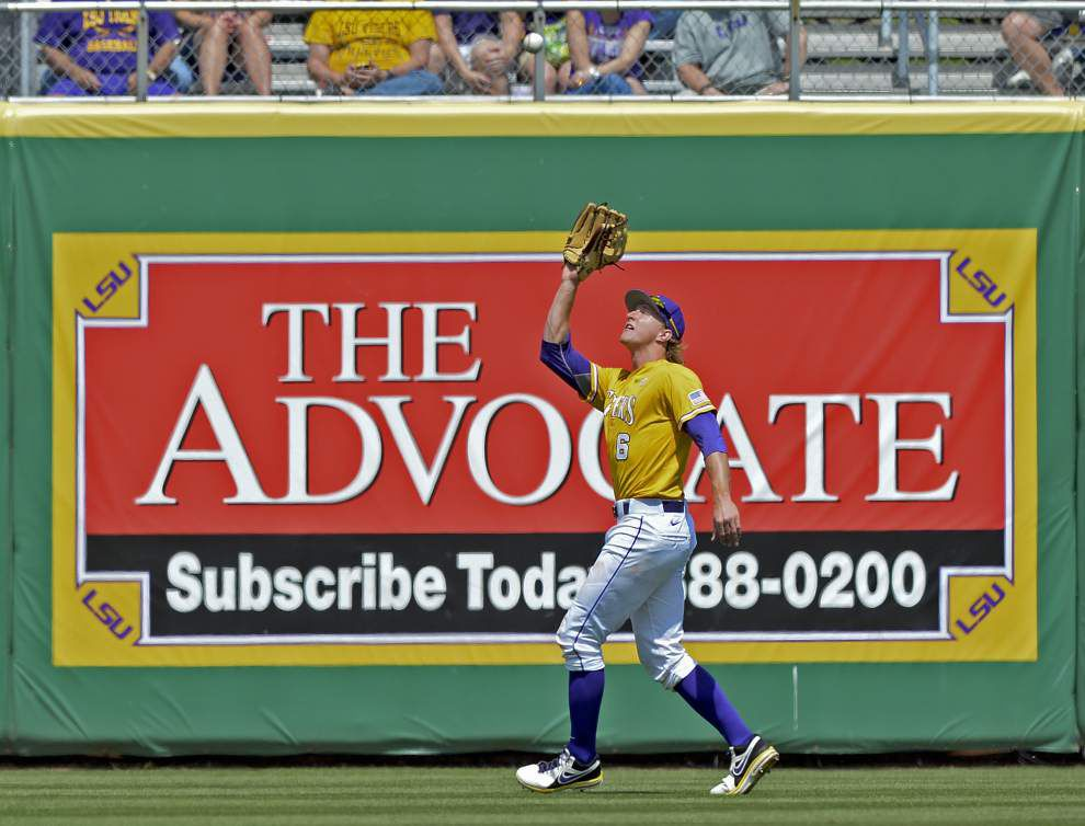 Kentucky outlasts top-ranked LSU in back-and-forth 12-10 win to take the series _lowres