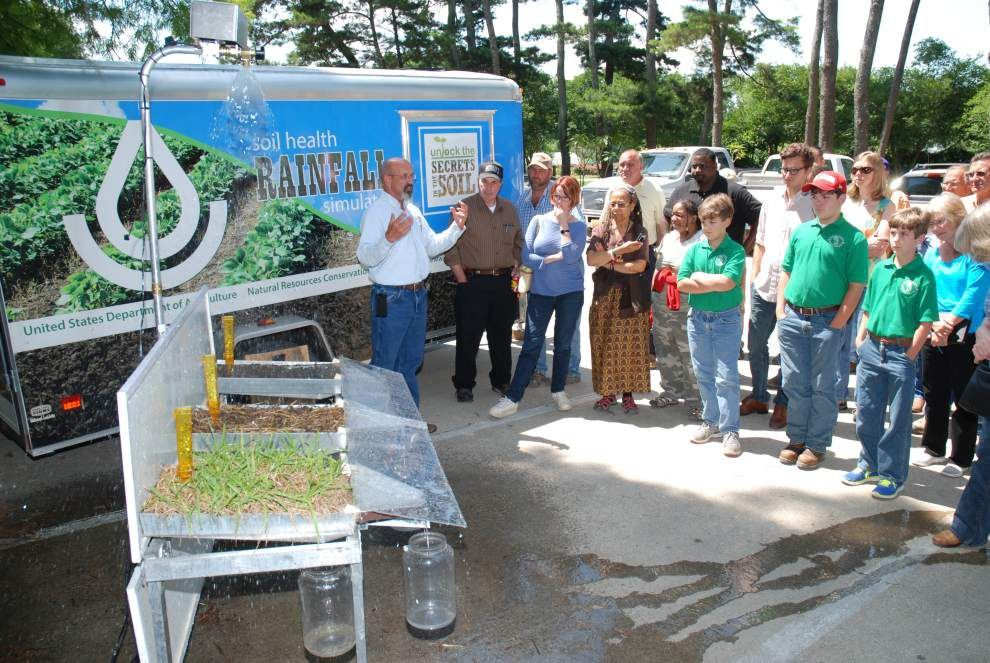 Fruit, vegetable growers learn about new markets _lowres