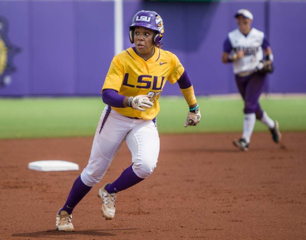 Follow live: LSU softball takes on Oklahoma in Women's College World Series semis _lowres