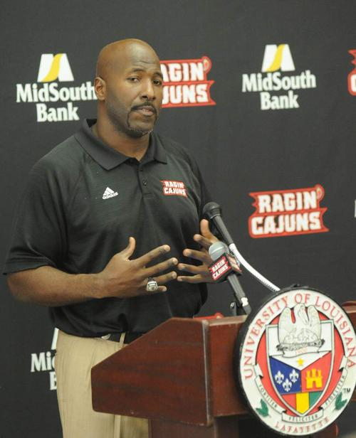 Cajuns notebook: Assistant coaches' salaries are tops in the Sun Belt _lowres