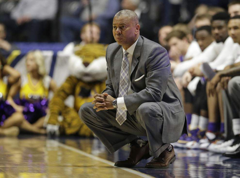 LSU basketball coach Johnny Jones to return next season, AD Joe Alleva reportedly confirms _lowres