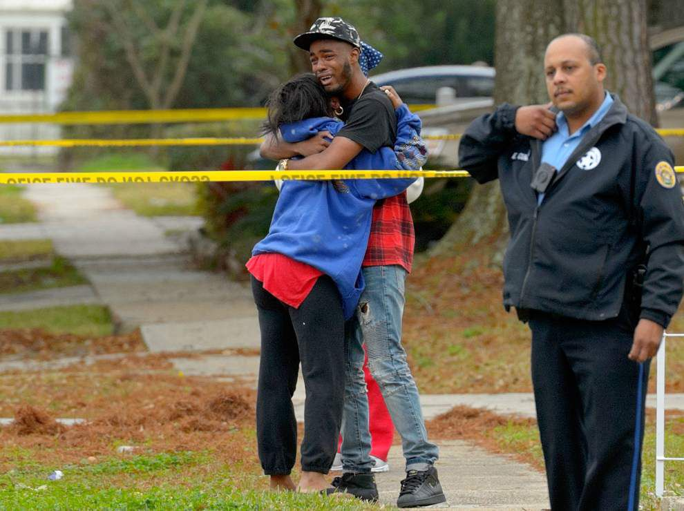 First New Orleans murder of 2015: Father, son shot and killed in Gentilly driveway while repairing pickup truck _lowres