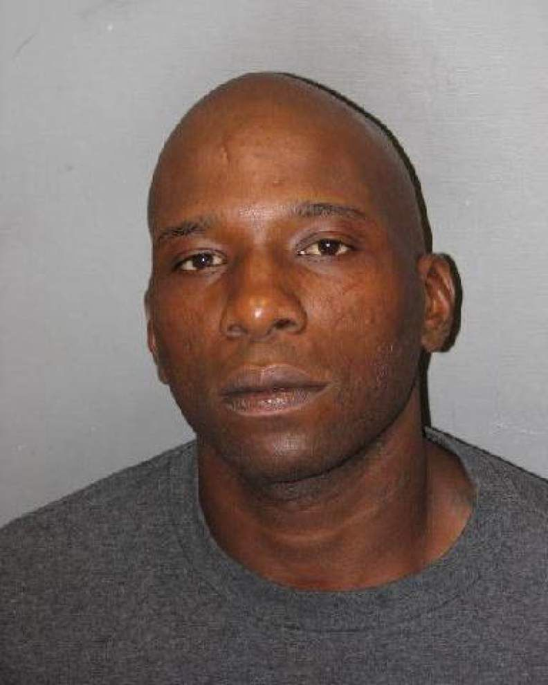 Shoplifting suspect sought in battery on Ascension deputy _lowres